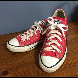 ❤️Cute Red Converse All Stars!